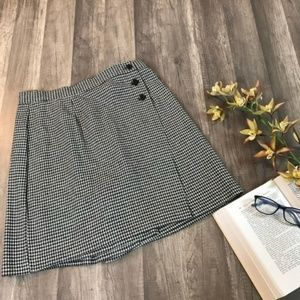Vintage • Houndstooth Highwaisted Skort/Skirt